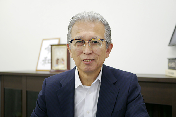 代表取締役社長 冨田勝久